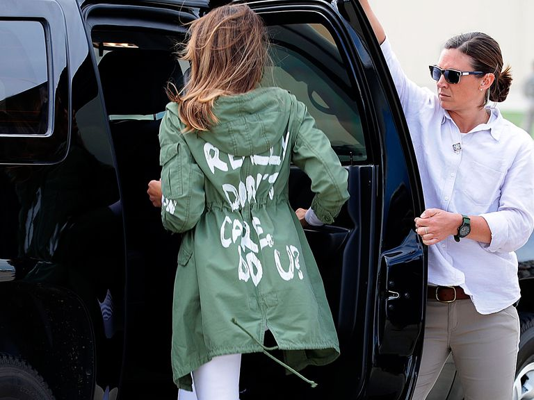 melania-trump-jacket-1529653408.jpg
