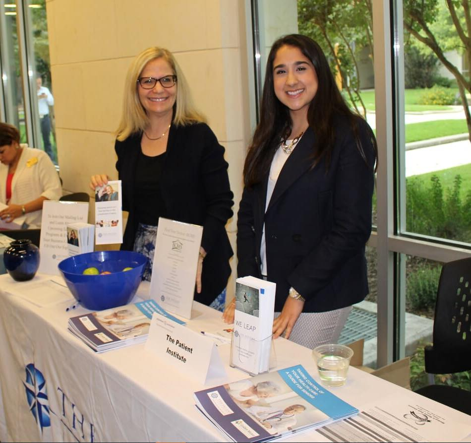President and CEO, Varda Ratner, and new intern, Gabriela Moro, distribute educational materials and with attendees at the 2016 San Antonio Educational Summit on Alzheimer's Disease.