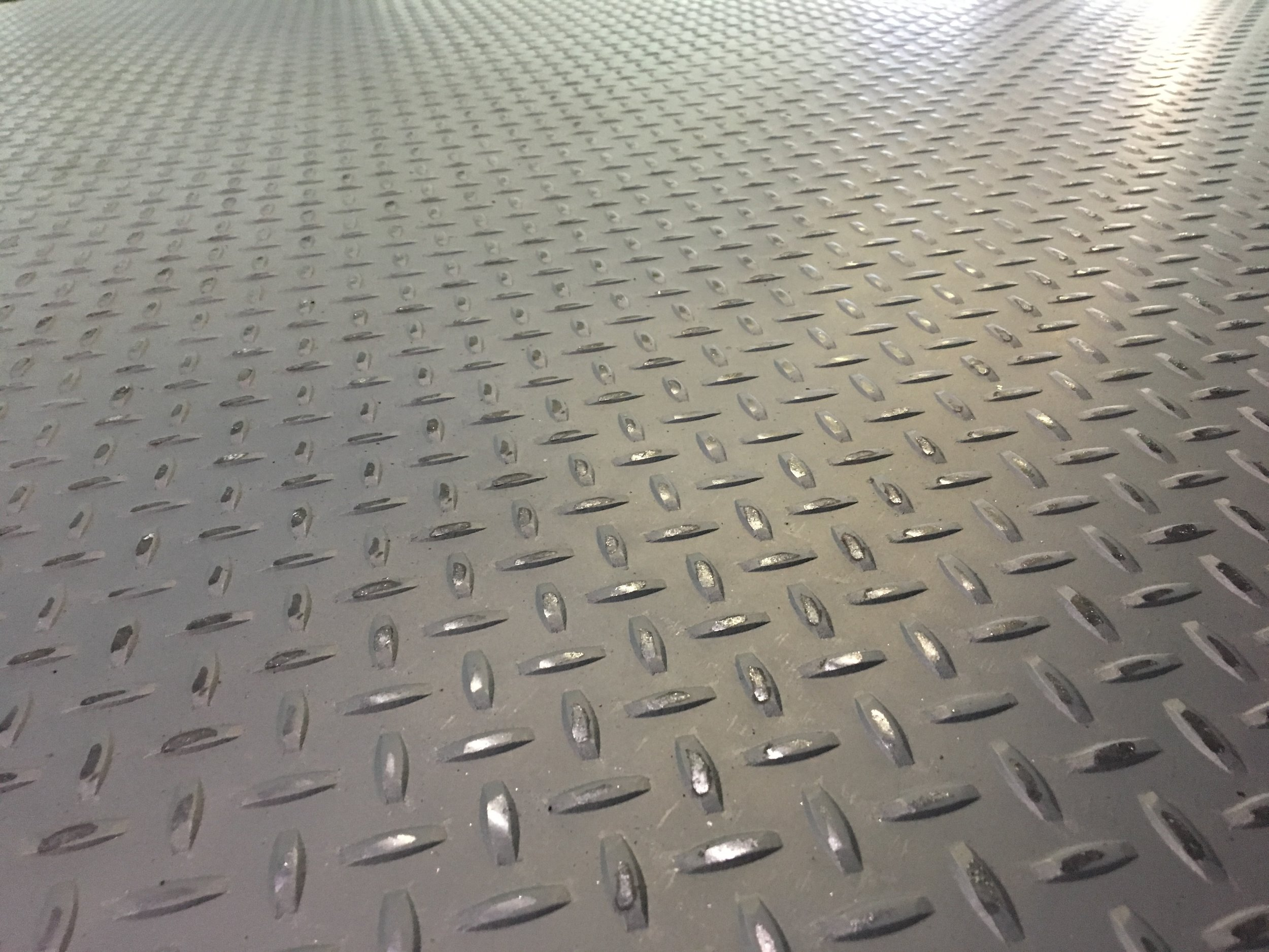 What Is Diamond Plate / Floor Plate Steel?