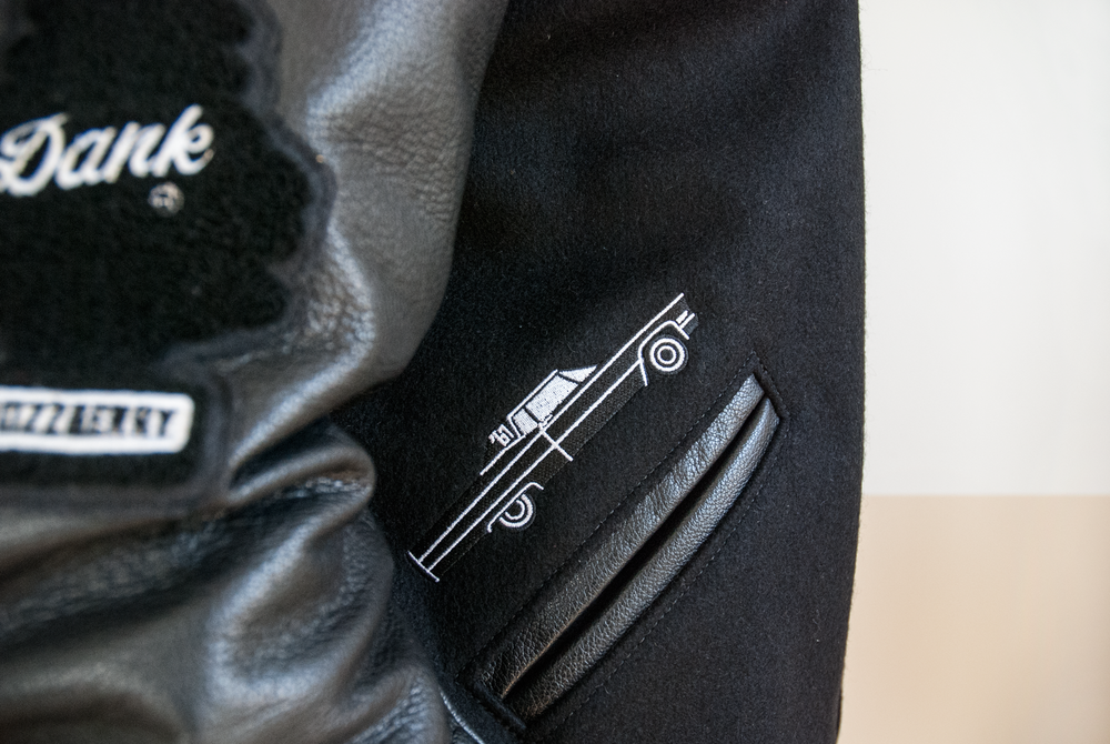 torsey_jacket_car_detail.png