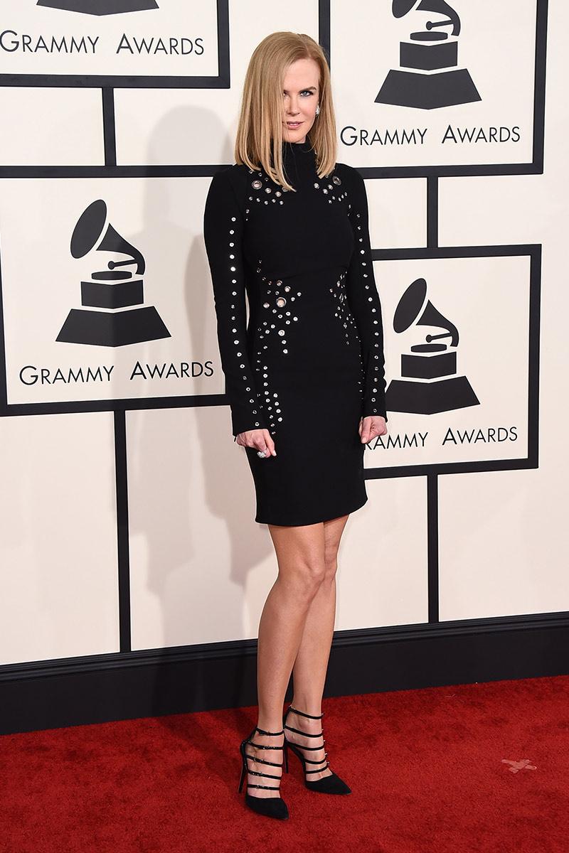 Nicole Kidman rocks the red carpet for The 2015 Grammy's in her Mugler Pre Fall 2015 Dress