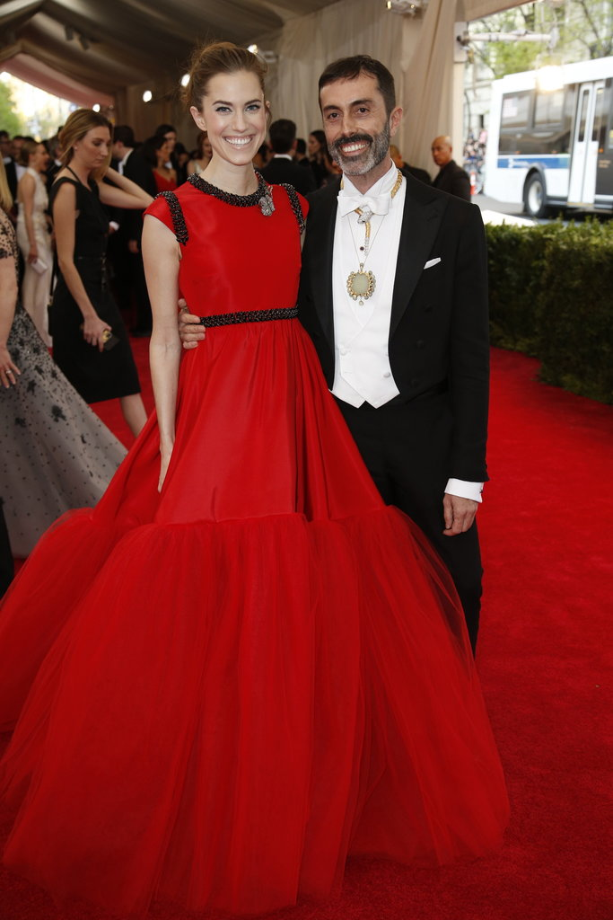 Allison Williams stunning us with her bold, red giambattistavalli dress for the Met Gala