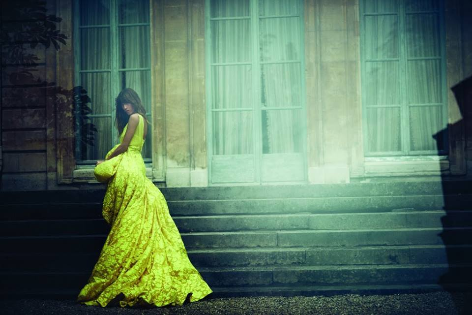 Our favorite French beauty is a vision in couture. The mysterious and romantic Lou Doillon models a gorgeous chartreuse Giambattista Valli Official Couture gown from the Fall/Winter 2013 collection for Vogue Türkiye.