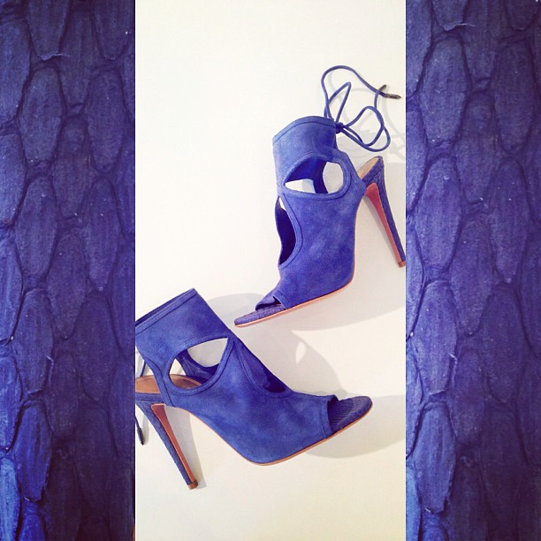 New on the scene at Serenella, the cult favorite @aquazzura Sexy Thing in denim blue.