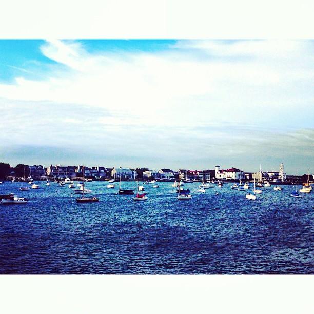 We hope everyone is enjoying their weekend! We sure are! #islandlife (at Nantucket)