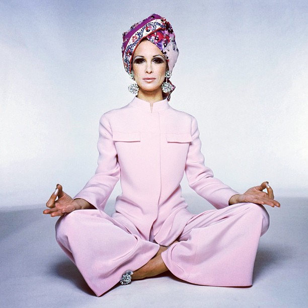 #tbt Vintage @EmilioPucci! Palazzo pajamas and printed silk turban embroidered with Swarovski crystals from the Fall/Winter 1969 collection.