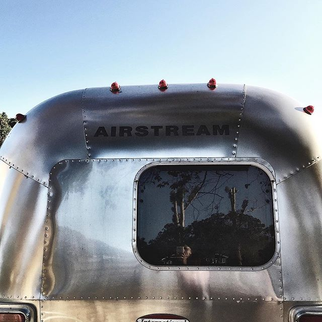 Spring Break is almost here! Now is the time to start making plans for a cool glamping adventure in April. Trailer19 is offering a 10% discount on any booking of five nights or longer, from now through the end of February. Check the link in our bio for great glamping spots in and around Santa Barbara, then hit us up for Airstream delivery. Also, refer a friend and get 10% percent off your next booking anytime of the year.