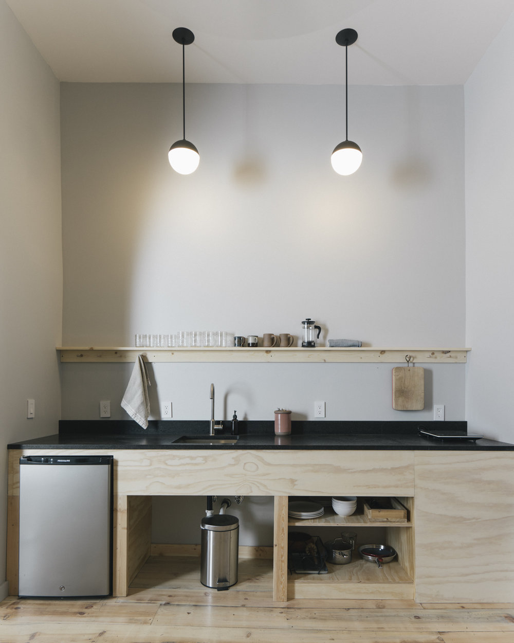 The perfectly simple and well equipped kitchenette