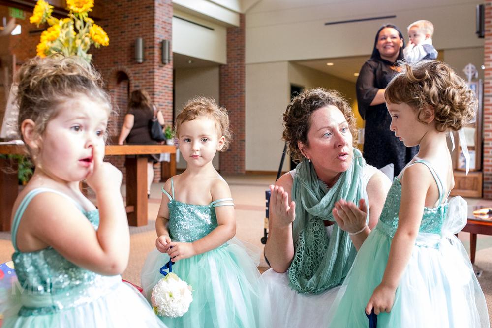 Omaha Wedding Photojournalism Flower Girls