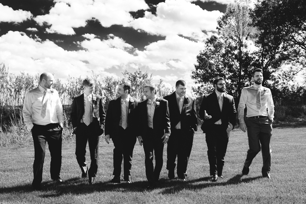 Cool Wedding Photography Groomsmen A View on State