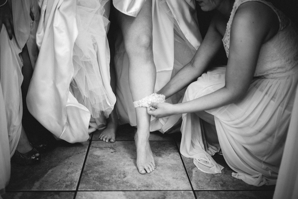 Omaha Wedding Photographer Bride Garter