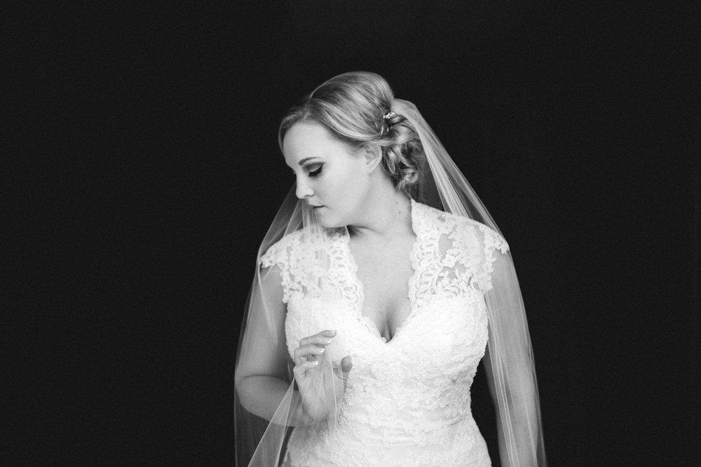 Omaha Wedding Photographer Gorgeous