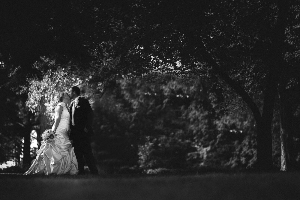Omaha Wedding Photographer Mount Vernon Gardens