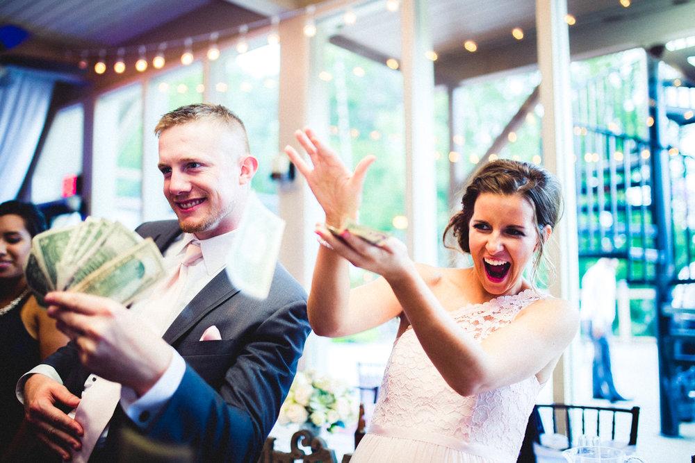Omaha Wedding Photographer Fontenelle Hills Wedding