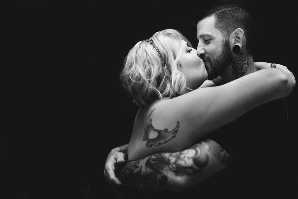 Omaha Wedding Photography Kiss