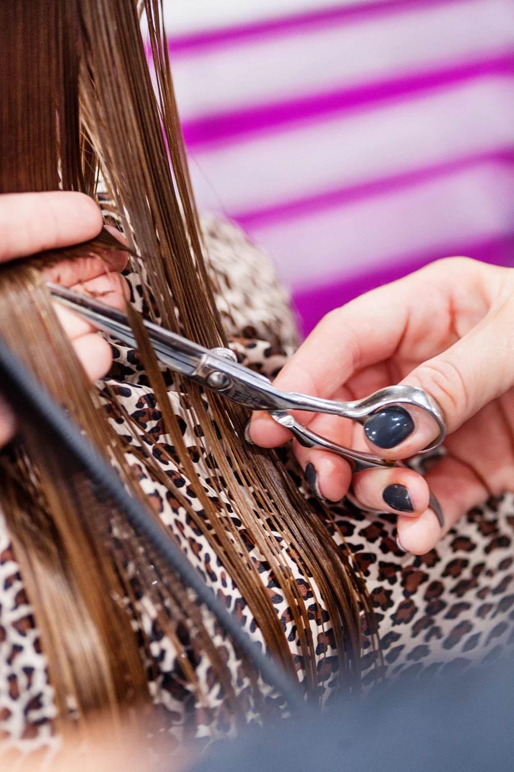 haircut-young-woman-invent-salon.jpg