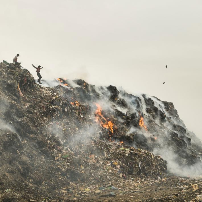 Image from National Geographic. Source: http://news.nationalgeographic.com/2016/04/160425-new-delhi-most-polluted-city-matthieu-paley/