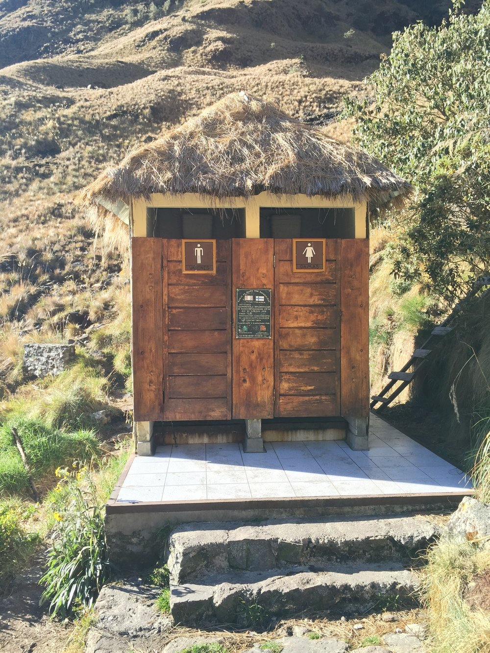 One of the nicest and cleanest looking toilet on the trail.  It was also randomly situated as you go down from Dead Woman's Pass.  Note that are is no sink or any other amenities and both bathrooms are identical.
