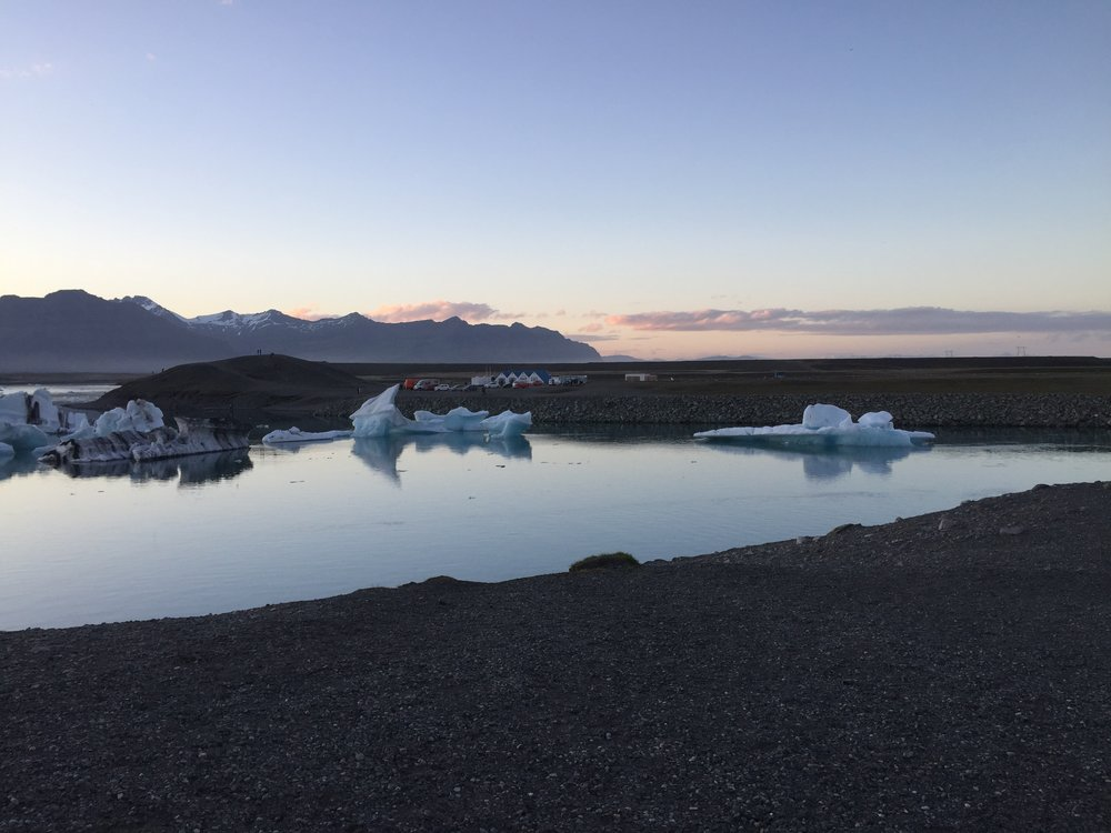 iceland-glacier-lagoon-summer-midnight