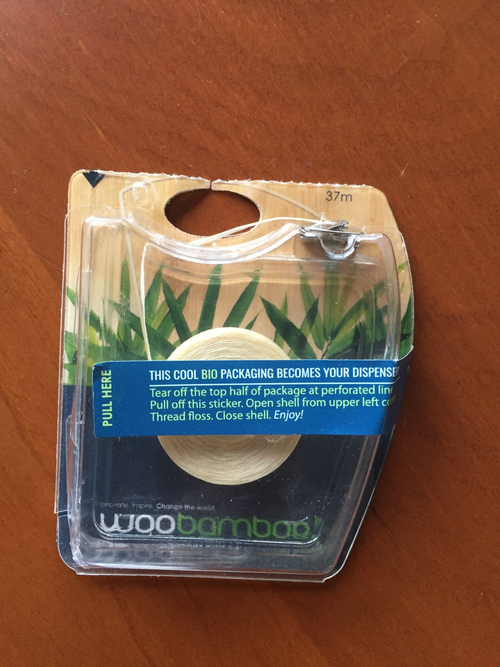 Woo Bamboo Floss has no separate plastic case because the packaging is the container.