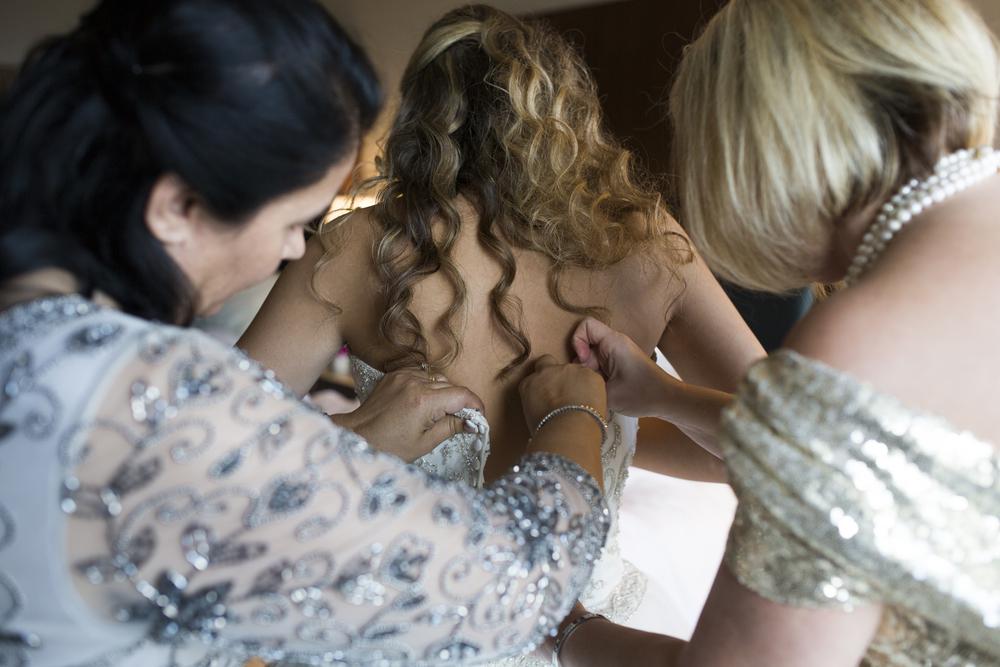 Getting_ready_Lopez_Wedding-70.jpg