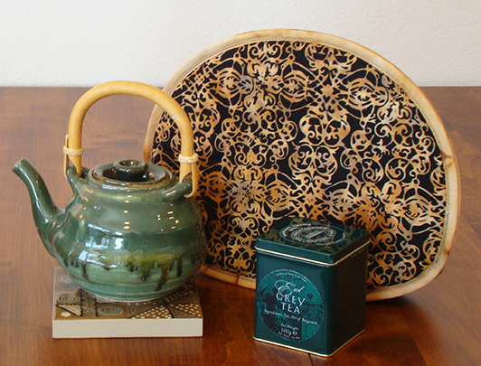 Tabard Friendship teapot tile tin web site_72.jpg