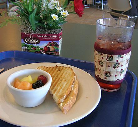 Celestial seasonings Feb 09 lunch web site_96.jpg