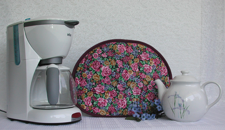 Thinsulate insulated Floral Garden Tea Tabard for coffee carafes and teapots.