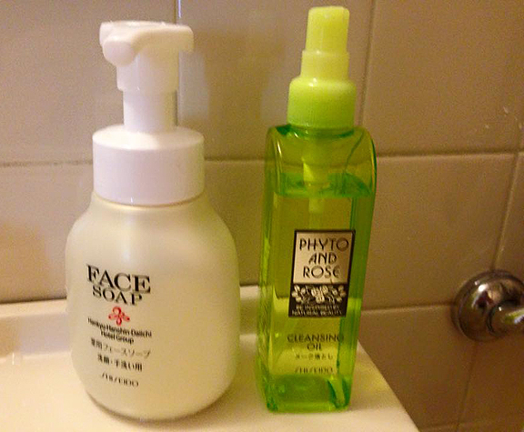 Coll-Japan-2015-Hotel-Ladies-Floor-shower-bottles_72.jpg