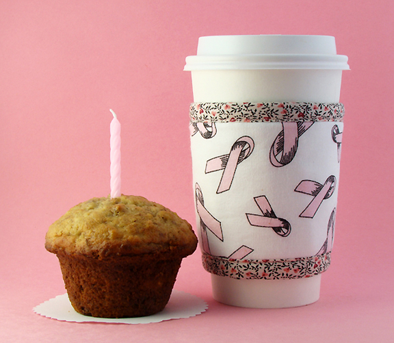 Breast Cancer Awareness Kup Kollar keeps your hot drink hot while you enjoy your muffin or other snack.