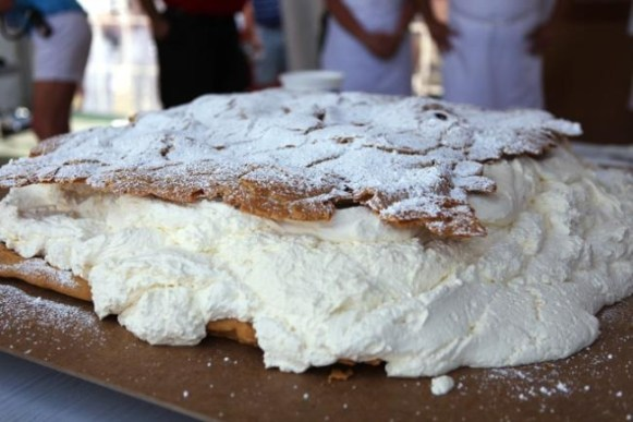 Cream Puff_Worlds largest.jpg