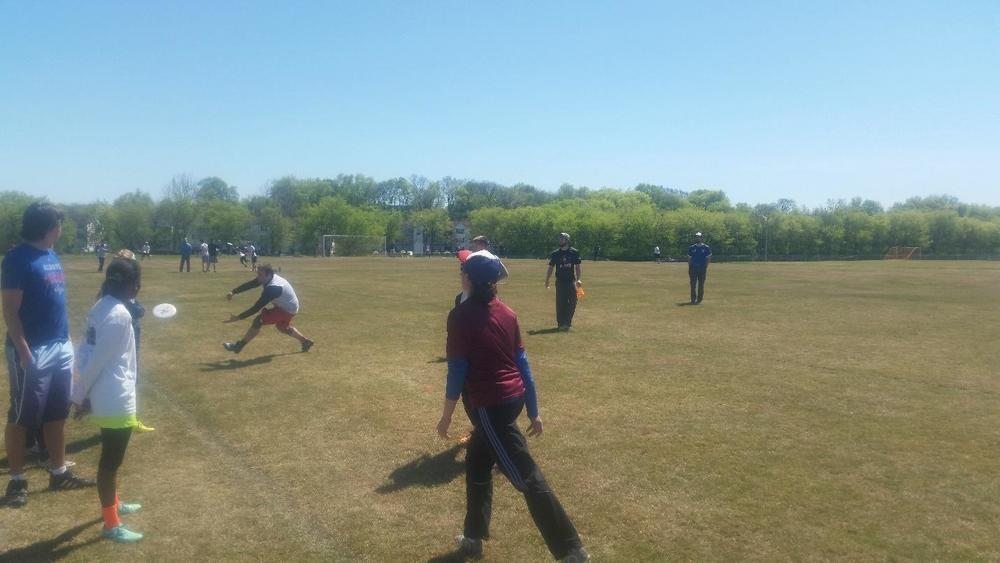 Amy Reed throws a pass during the Nashville Ultimate clinic and combine, which featured six stations with drills led by volunteers at each.