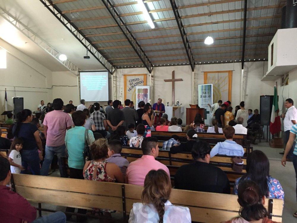 Obispo Mark en Iglesia del Gran Pastor