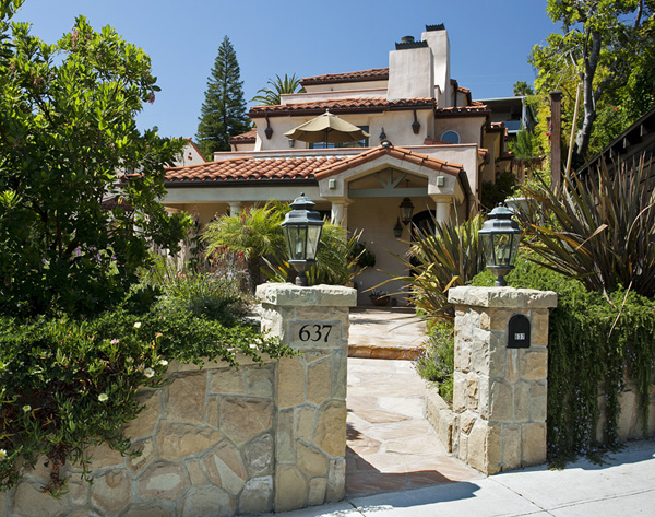 Bankruptcy sale, 3 story detached downtown town home - Santa Barbara