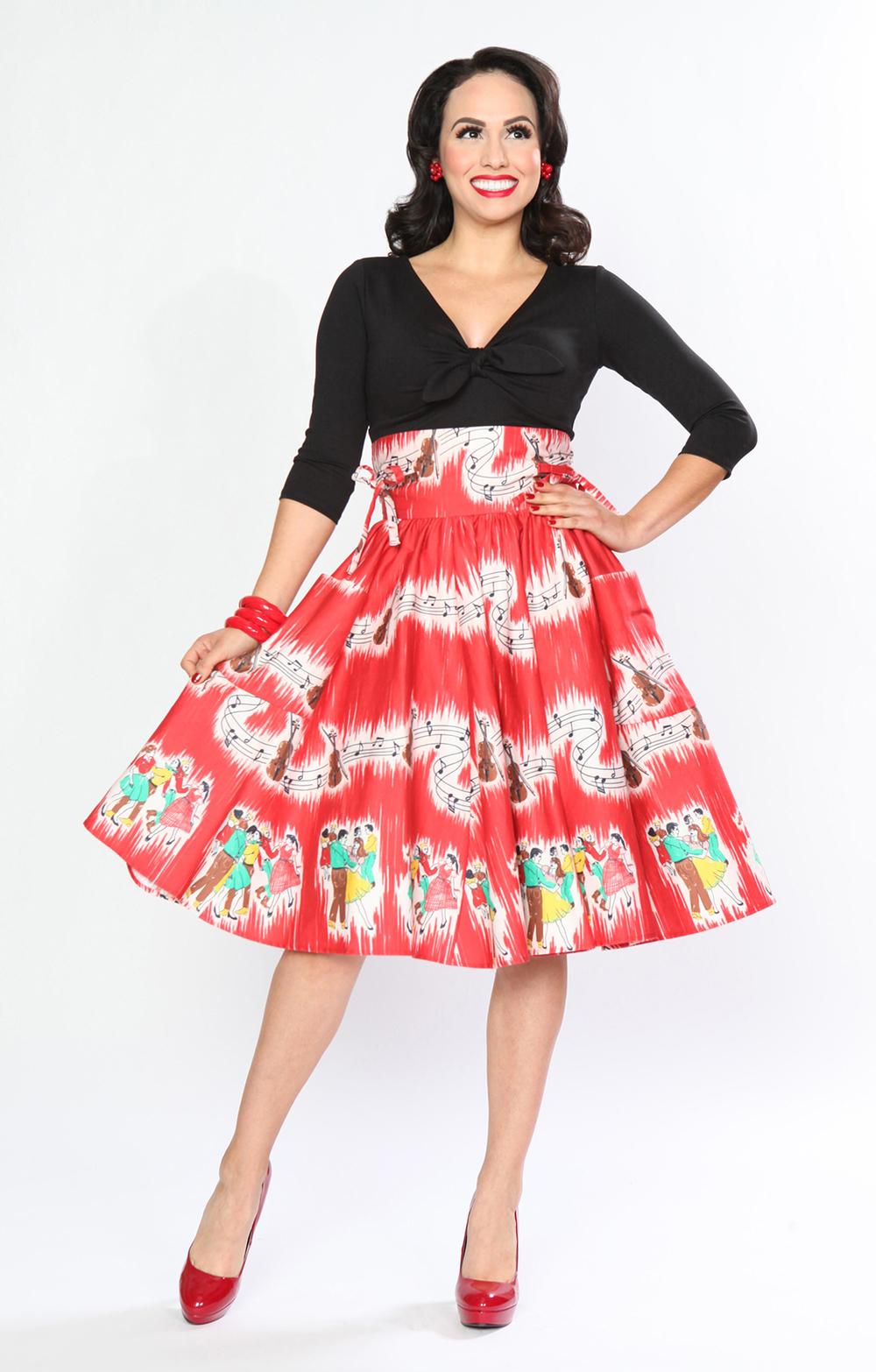 BD173637 Twist & Shout Top (Black)  BD232636 Patio Skirt (Barnyard Boogie)