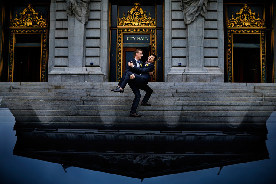 01-joe-miles-sf-city-hall-gay-wedding-900x600.jpg
