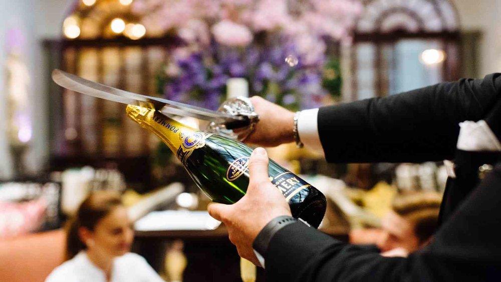 Winter-Garden-Bar-Champagne-Sabering-Florence.jpg