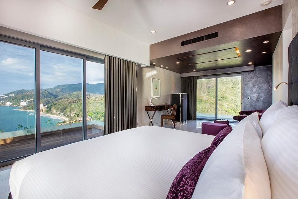 mousai-corner-suite_room-w1144h640.jpg