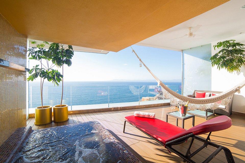 suites-hotel-mousai-puerto-vallarta-14-w1144h640.jpg