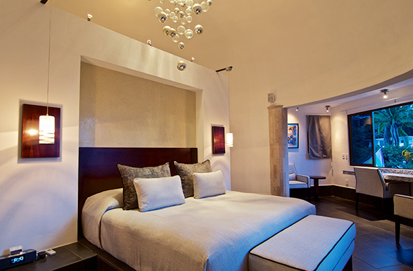 CasaCupula_Inset_Rooms_0004_CupulaSuite-581a1b6517724-598x392.jpg
