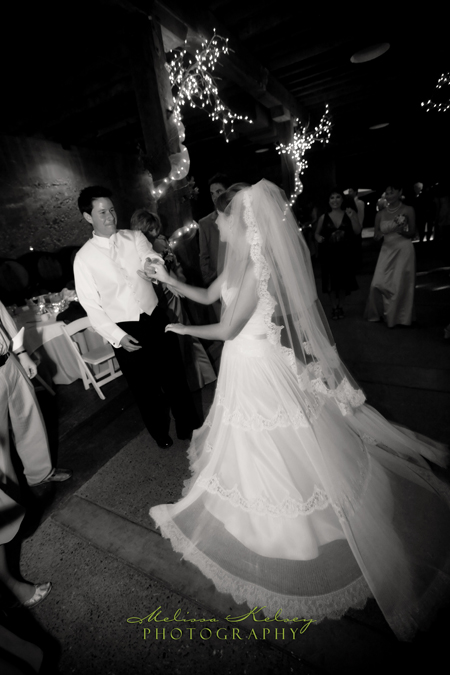 dancing at wedding reception at wente vineyards