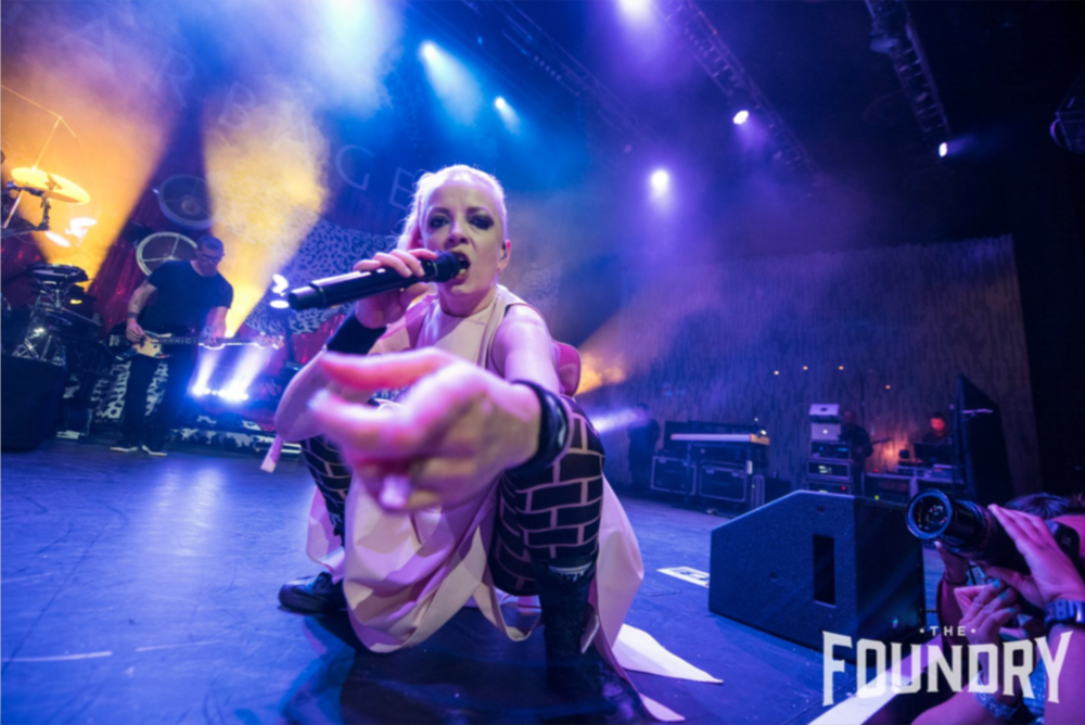 Shirley Manson of Garbage with SH95 front-fill