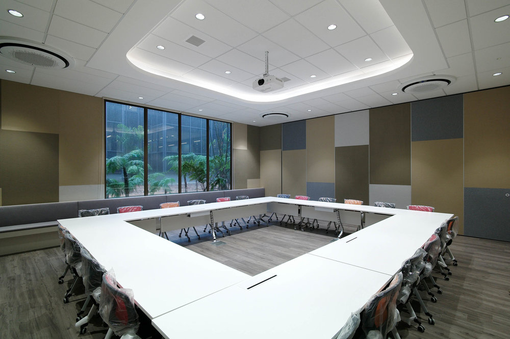 Large Conference Room 2.jpg