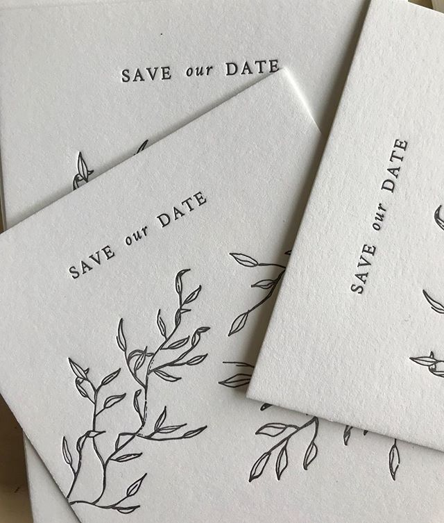 The prettiest save the dates! Finishing these up this weekend!! Check out the stories for BTS!! Designed by @violahillstudio ✨🙌🏼 #dailydoseofpaper