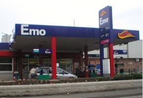 3782-emo_garage_crop