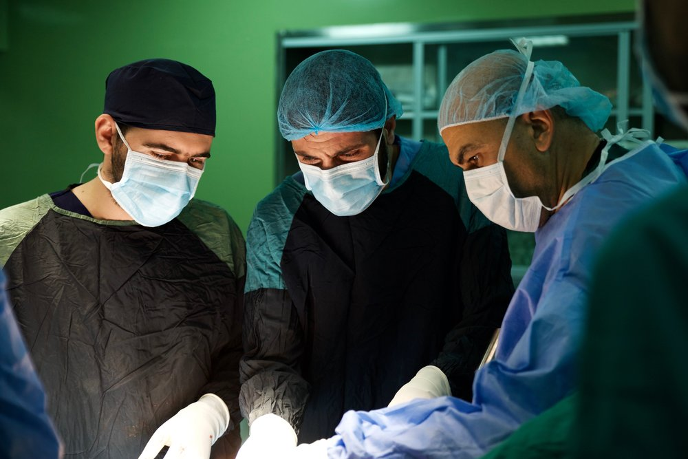 GSMSG surgeons instructing local counterparts in Iraq
