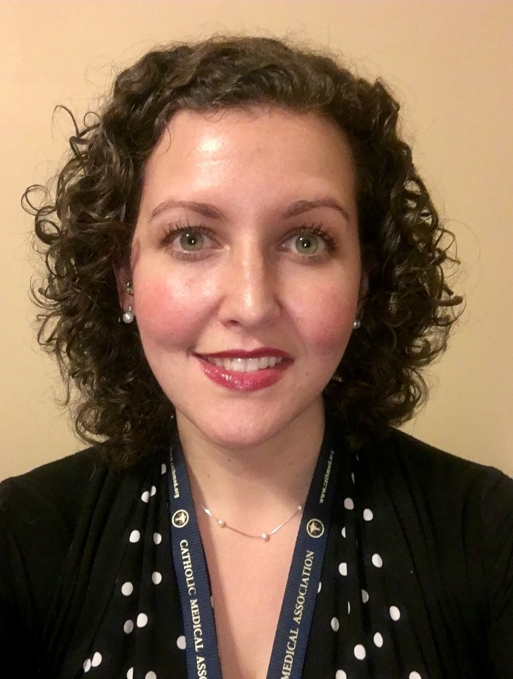 """<a href=""""#"""" data-featherlight=""""#bio-johnson""""><p style=""""line-height: 1.5em""""><font size=""""3"""">Dr. Kimberly Johnson - MD<br>Event Coordinator</font></p></a>"""