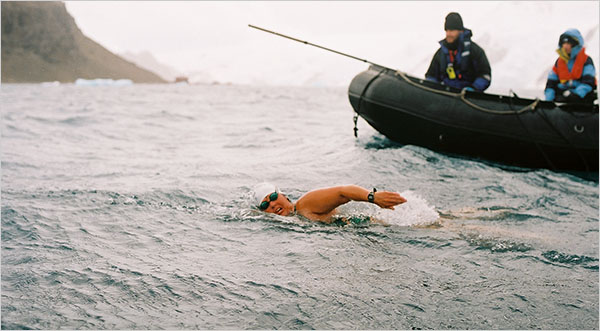 Lynne Cox swims across the Bering Strait in 1987 (from her website)
