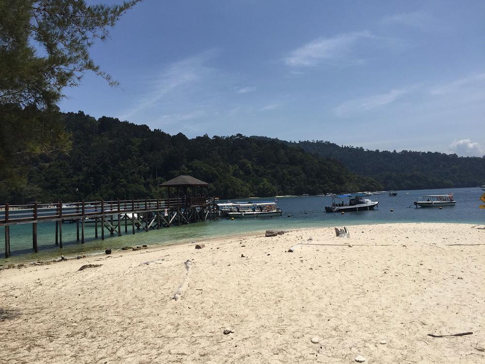 Sapi Island near Kota Kinabalu Borneo_1500px.jpg