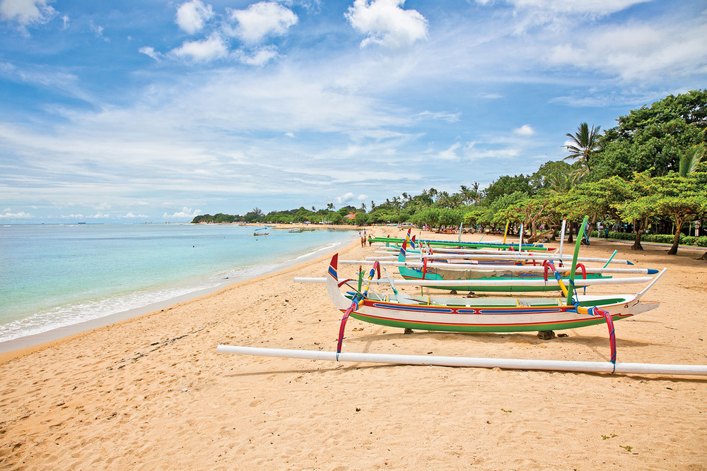 Beautiful tropical beach with fisherman's boats in Nusa Dua_121037578_1500px.jpg